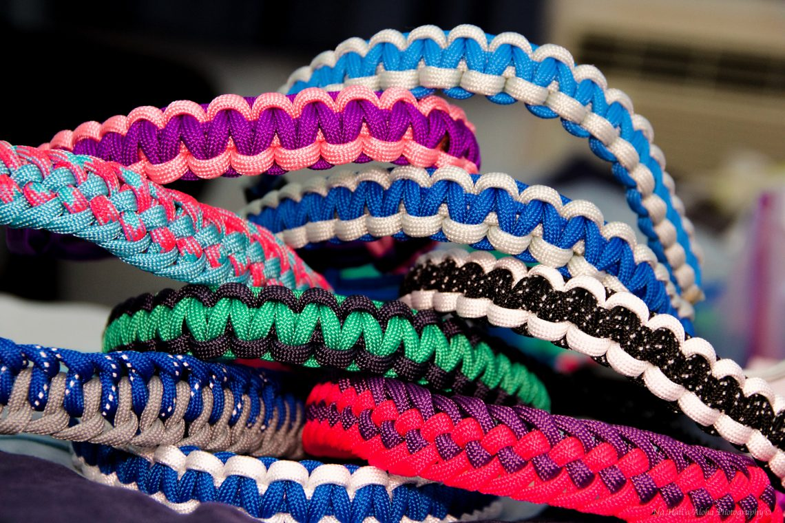 How to make paracord bracelet with or without buckle for Things you can do with paracord