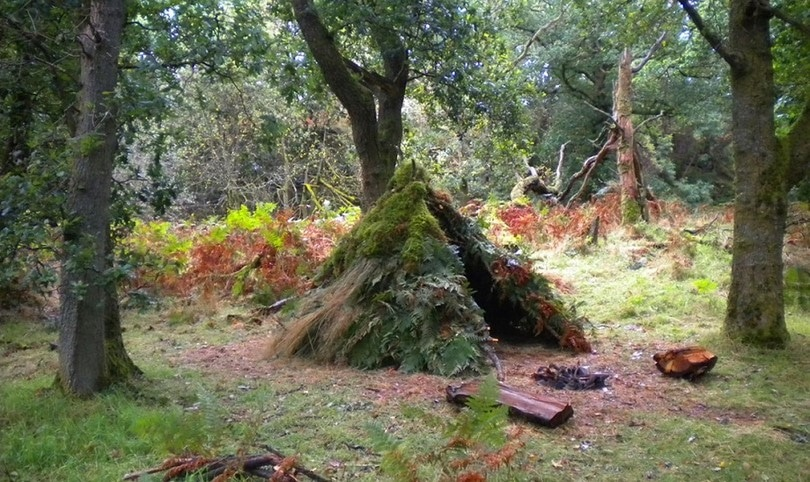 how to build survival equipment in the woods