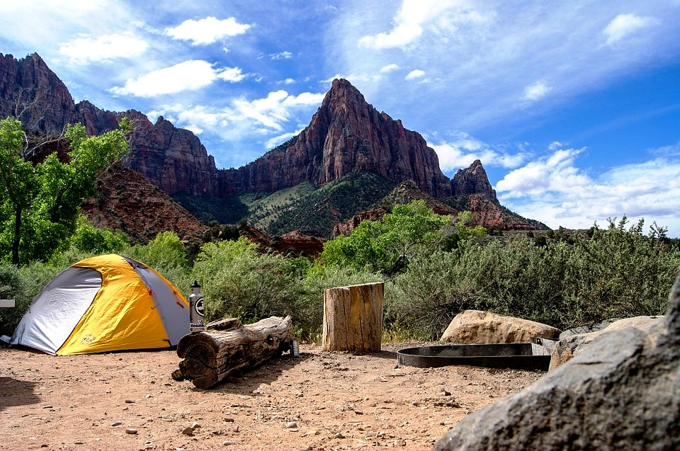 What to Bring Camping: What You Need to Take for an Enjoyable Trip