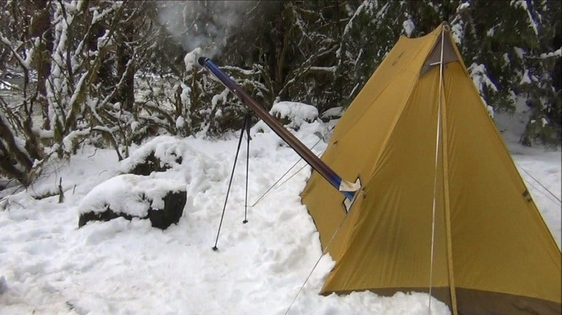 Ultralight tent on snow
