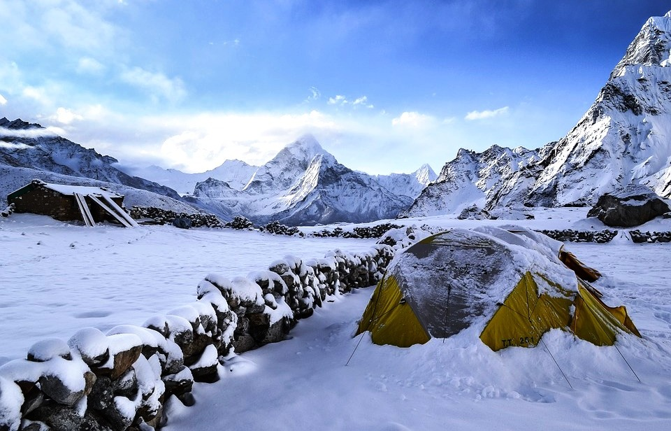 Cold Weather Tents : Cold weather tents tips on choosing the best tent for you