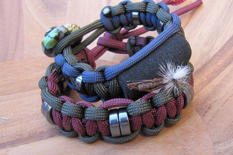 Paracord lanyard bracelet