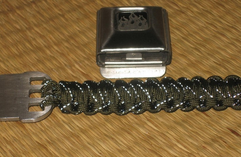 Paracord lanyard belt