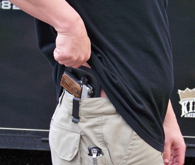 Concealed gun holsters