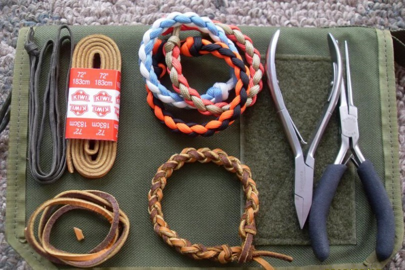 how to make parachute cord bracelet