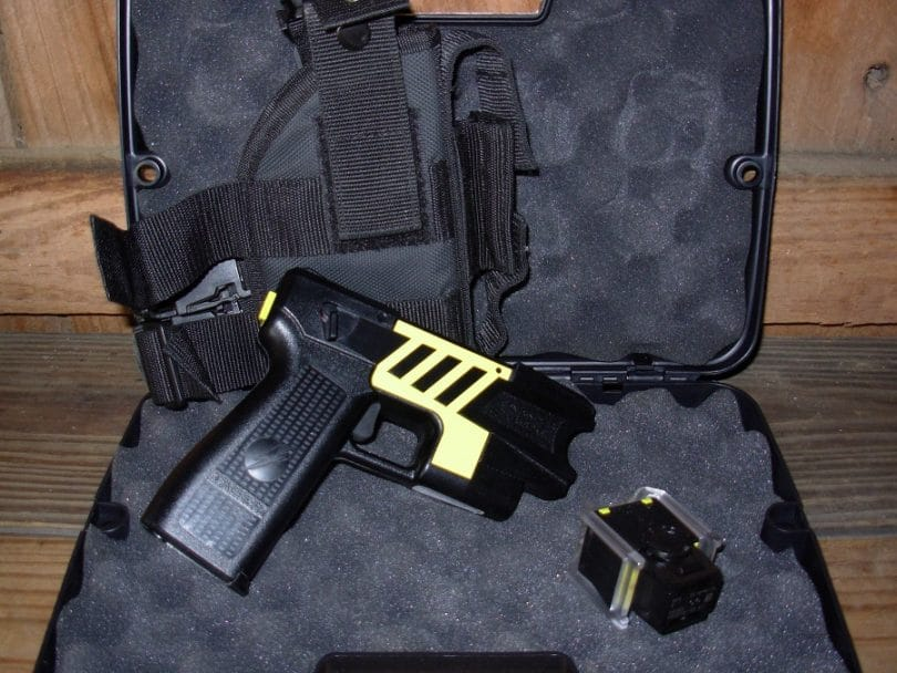 Taser M26C Advanced with Laser