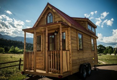 Tiny house on the move