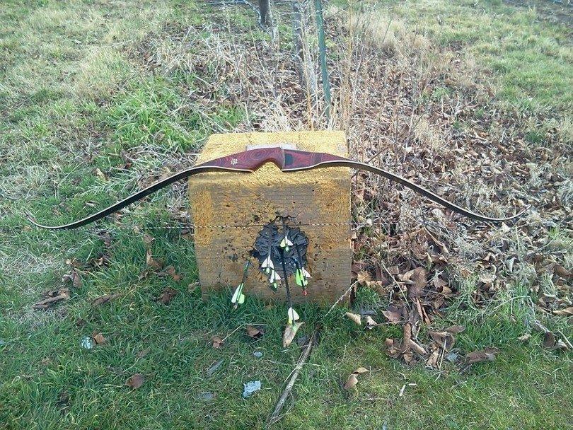 Bear archery grizzly recurve bow