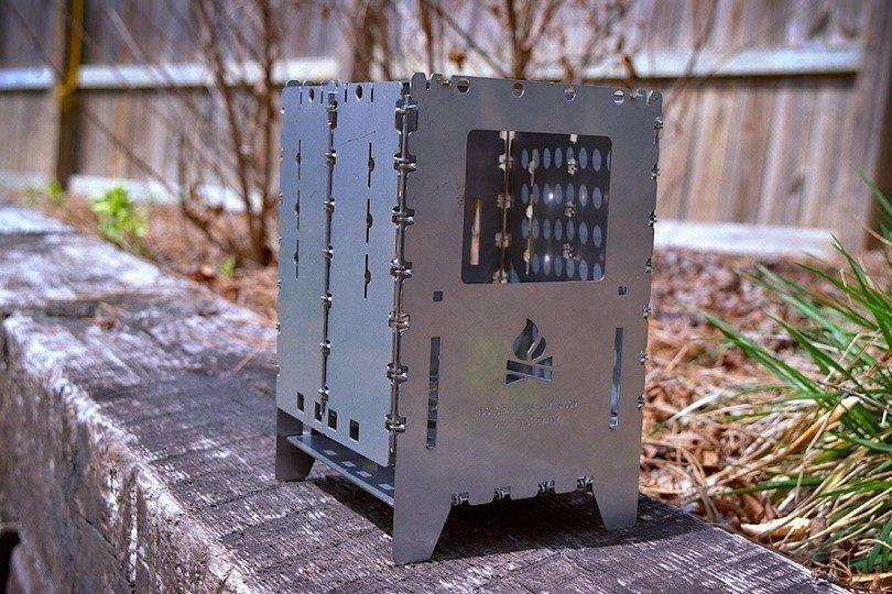 Bushcraft Essentials Bushbox outdoor pocket stove
