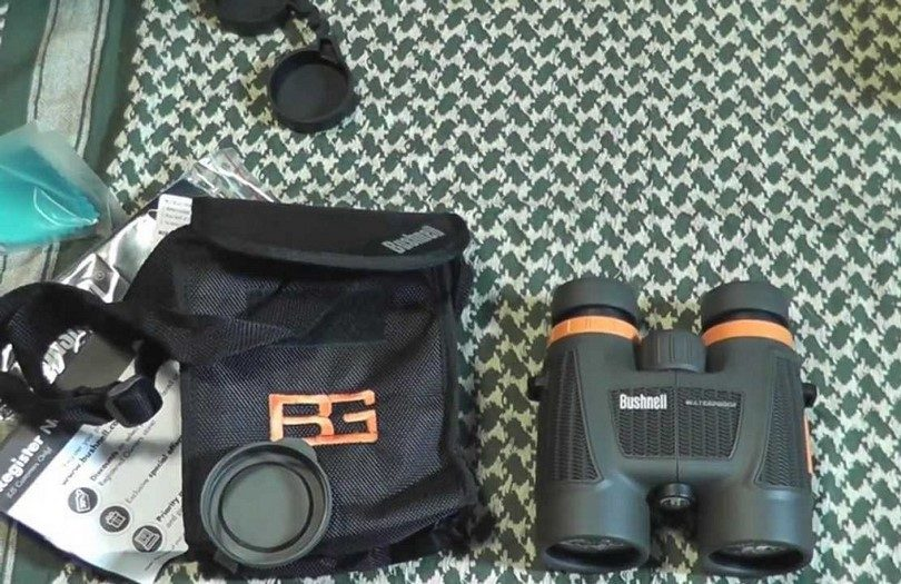 Bushnell Bear Grylls 8x25mm Compact Roof Prism binoculars