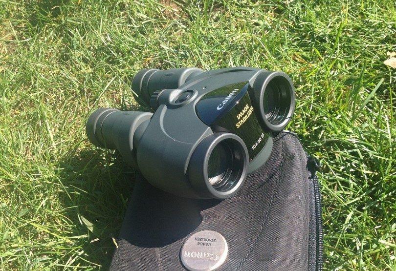 Canon 10x30 IS Ultra-Compact Binoculars