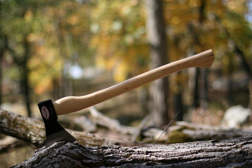 Cold Steel Trail Boss Hickory-handle axe