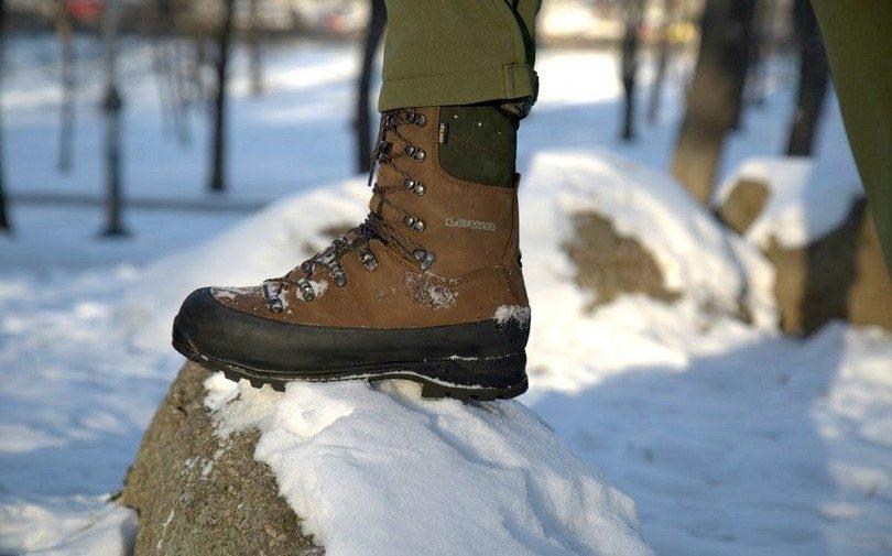 Lowa Men's Tibet GTX boots