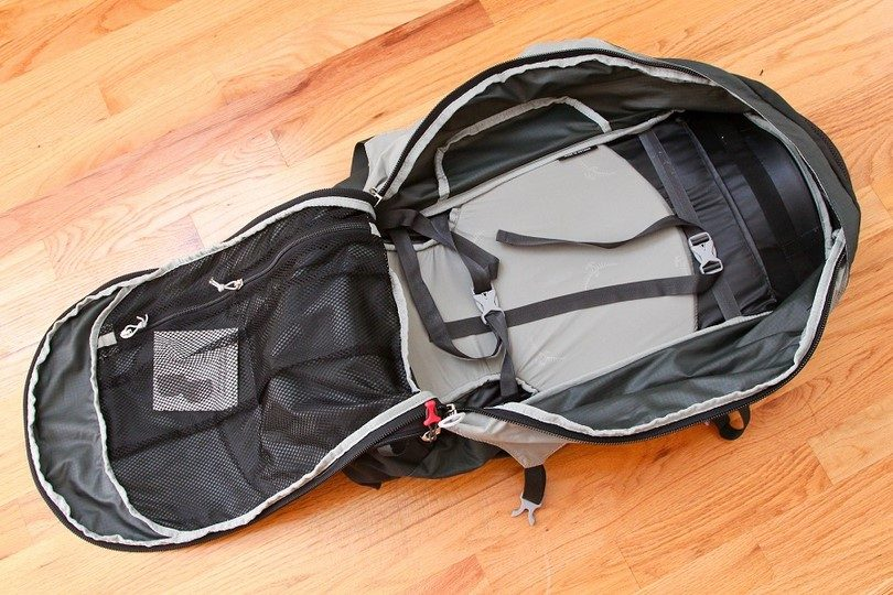 Osprey Farpoint 40 travel backpack inside