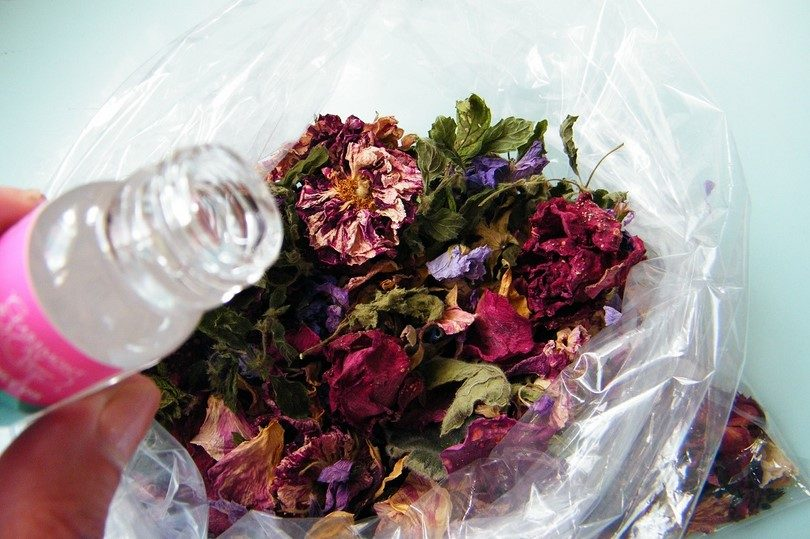 Make a potpourri from dried herbs, essential oils dilutions