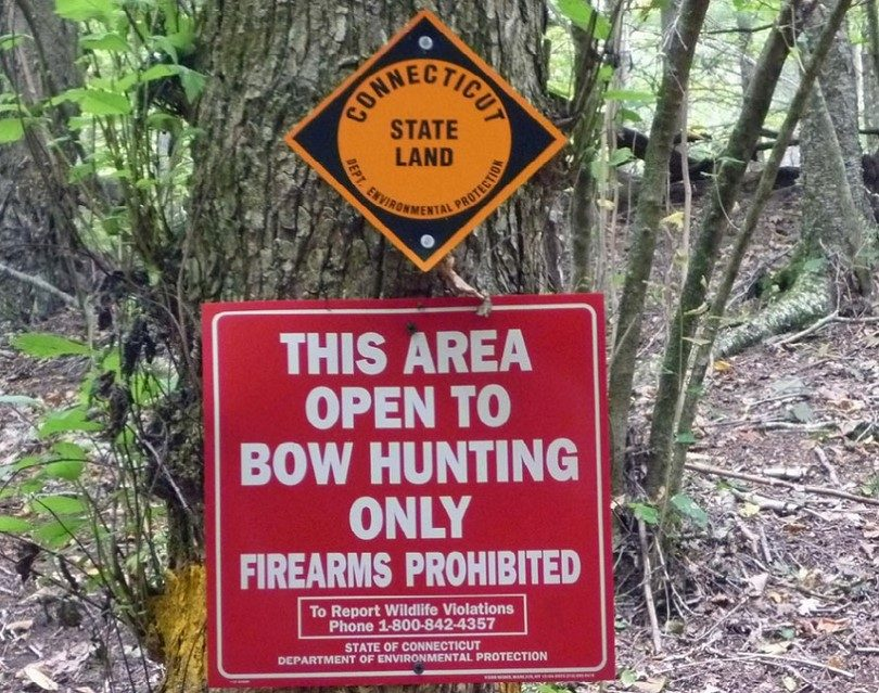 Sign_bow_hunting