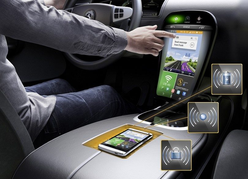 Smart phone charging in car
