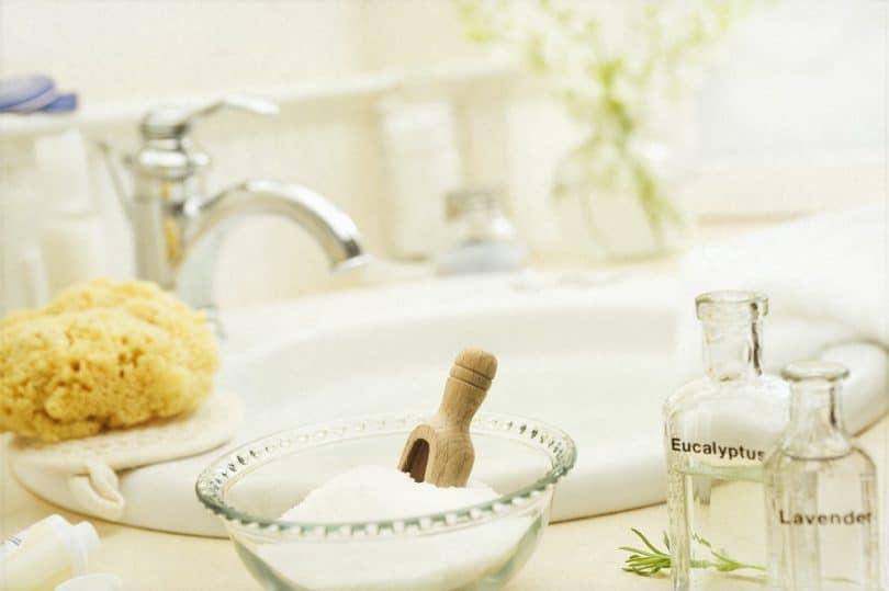 Epsom salt detox bath relaxation