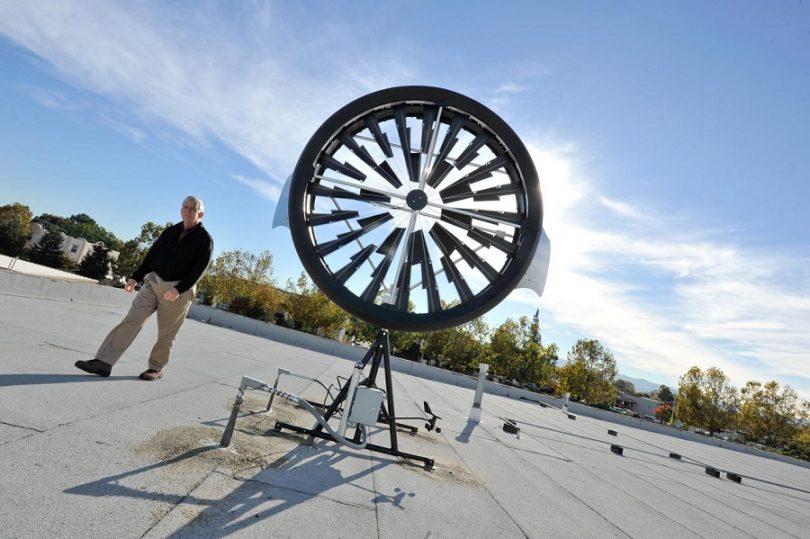 Wind turbine with base