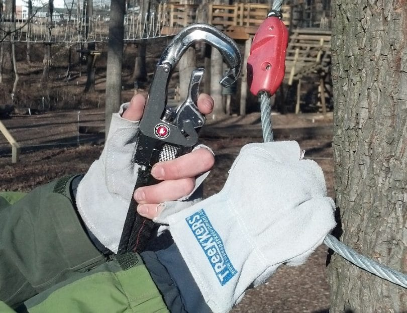 Gloves for rope climbing