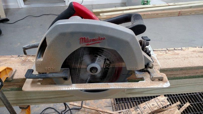 Milwaukee 6470-21 15 Amp 10-Inch Circular Saw