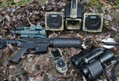 Predator hunting equipment