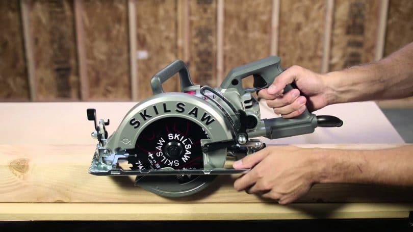 SKILSAW SPT77W-01 15-Amp 7 Inch Aluminum Worm Drive Circular Saw