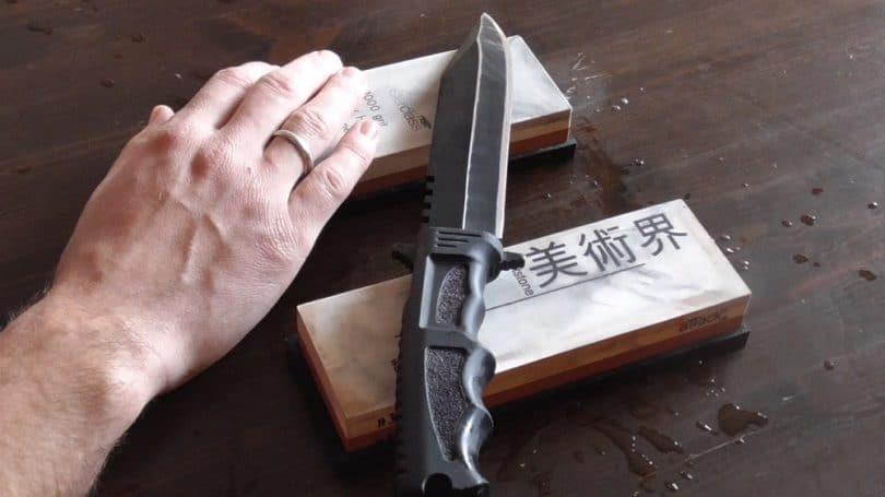 Sharpening with whetstone