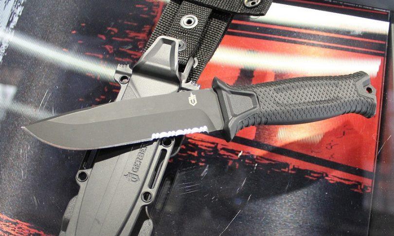 Gerber strongarm black with sheath