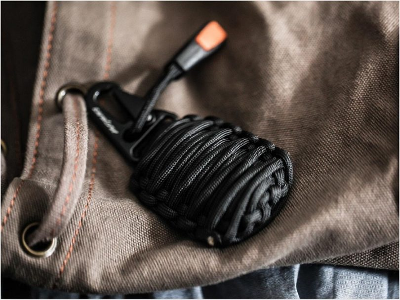 Grenade made from paracord