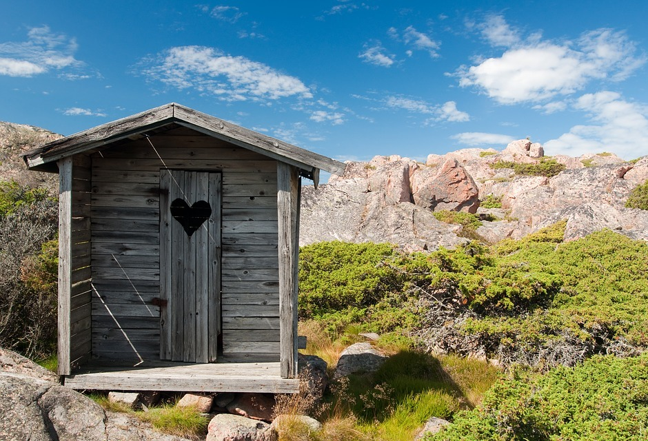 How To Build An Outhouse Living Off The Grid In Style