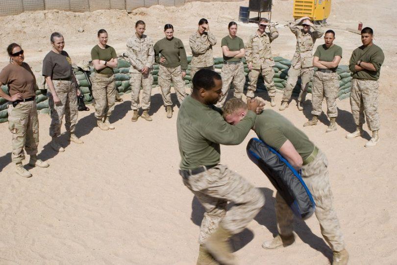 Knee combat practice
