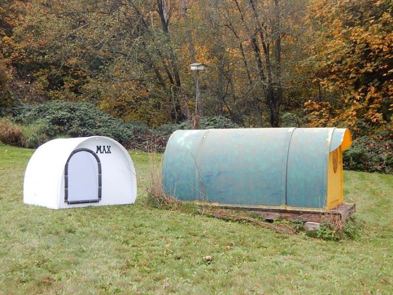 DIY outdoor emergency shelter