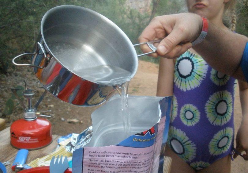 Freeze-dried food adding water