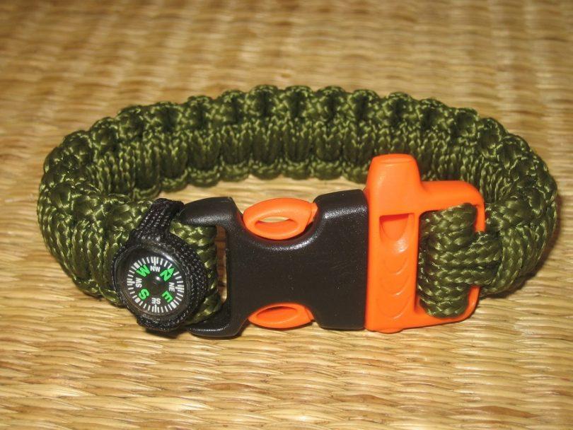 Aid & Prep Paracord Survival Bracelet