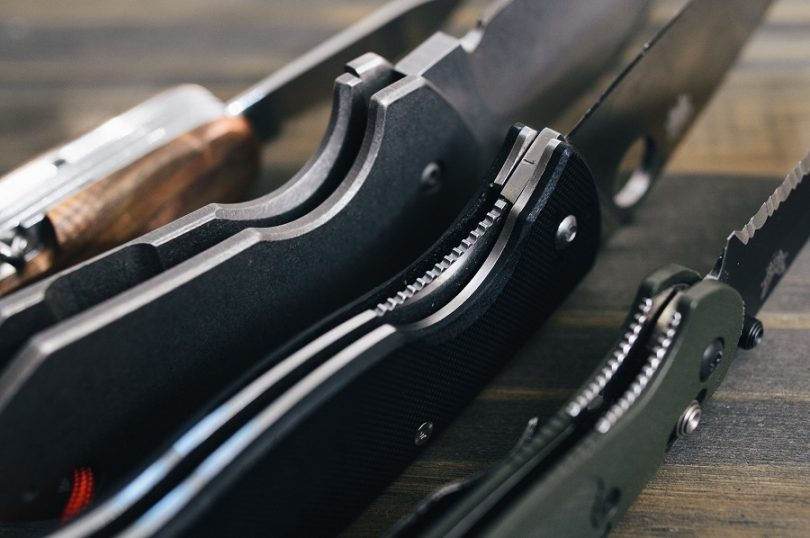 Folding_knives and lock mechanism