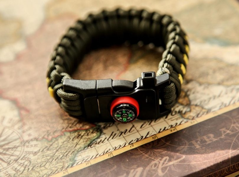 Holtzman's Gorilla Survival High Quality 550 Paracord Survival Kit Bracelet