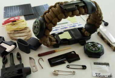 Paracord Survival Bracelet review