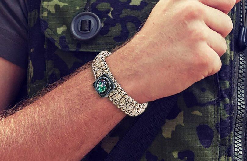 Steven G Man's Outdoor Survival Paracord Emergency Spot Bracelet