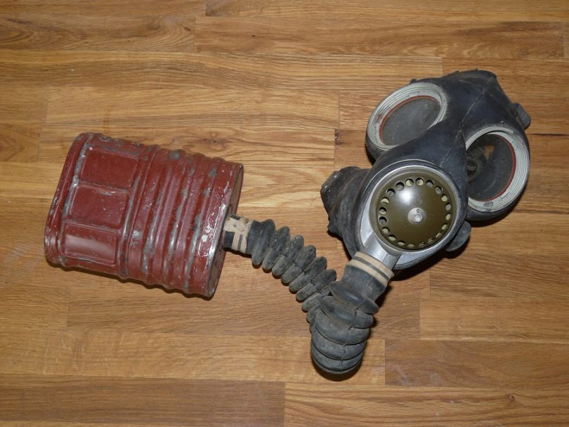 The 1942 gas mask