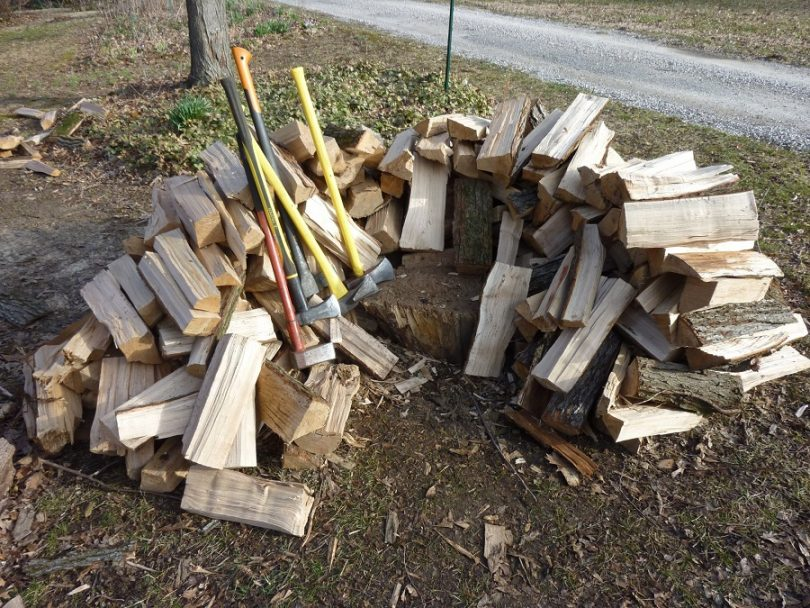 Wood splitting mauls