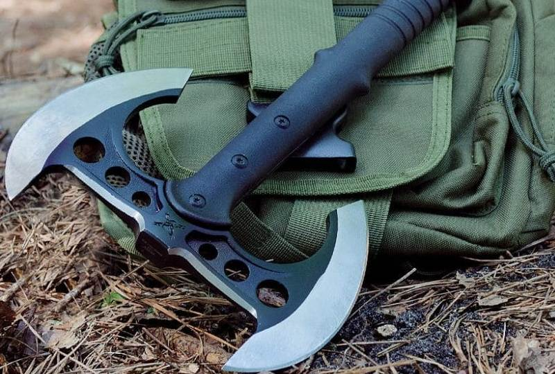 Best Tactical Tomahawk: Useful Tips for Both Pros And ...