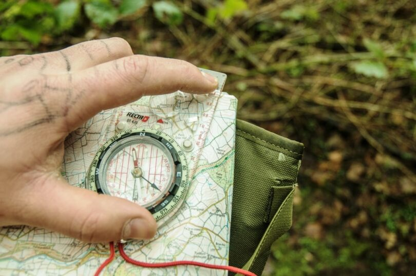 Navigating with Compass