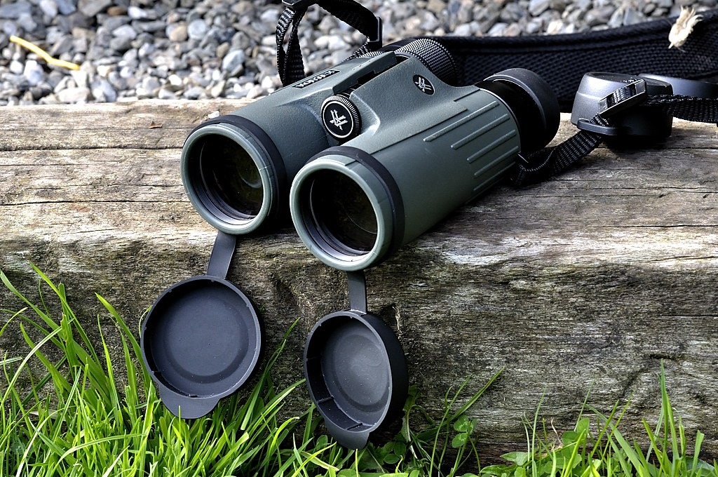 Best Night Vision Binoculars: Buying Guide and Expert's Advice