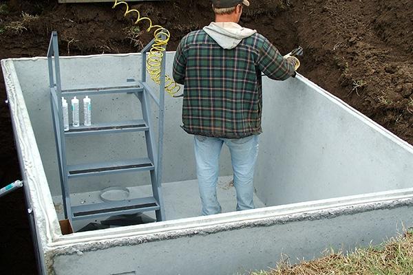 Tornado shelter construction vault
